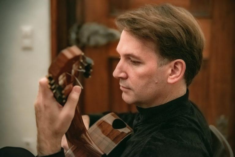 Marco Tamayo, Gitarre